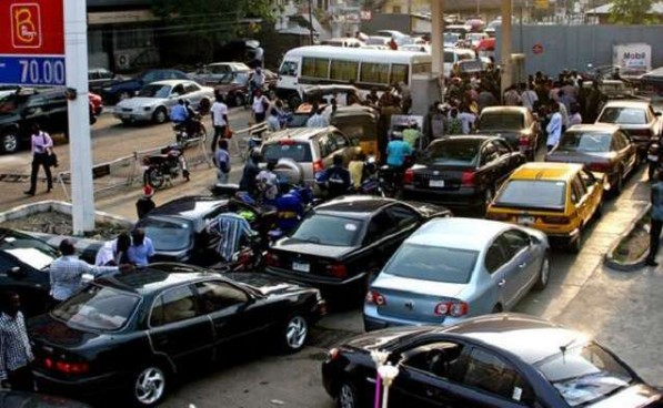 Fuel Scarcity e1453217162465 - Over ₦3.5 trillion spent yearly by businesses, homes on fuel for power