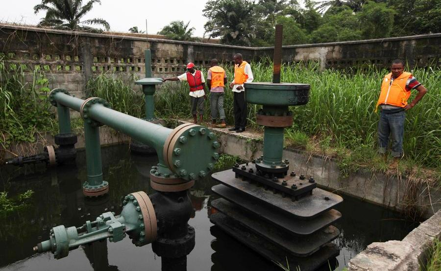 Oil2 - Ogoni youths commit to clean environment
