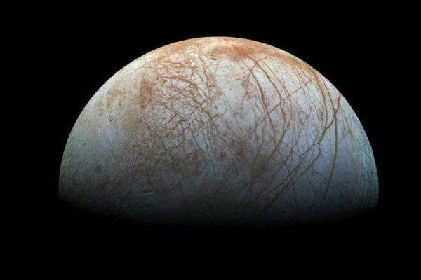 1 Many experts believe Jupiters icy moon Europa could contain a subsurface ocean even possibly some form of life 600x400 - NASA to reveal 'surprising' activity on Jupiter's moon