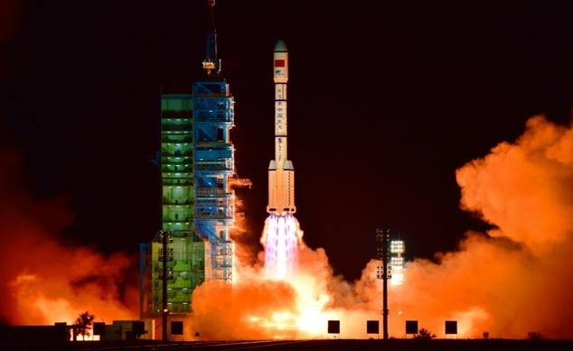 China Space Lab - China eyes year-long stays for space station astronauts