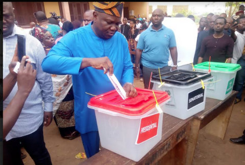 Ambode Votes In Epe, Assures Of Free, Fair Exercise