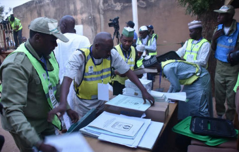 Inec Adhoc Staff Arranging Non Sensitive Material At Ward A' Kofar Baru 003 Sakin Yara Polling Unit During The 2019 National Assembly And Presidential Elections In Daura, Katsina State On